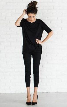 dark clothes to look slimmer
